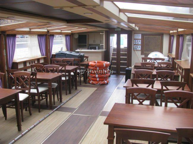 Салон корабля Фонтанка.