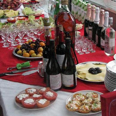 Новогодние напитки, алкогольные и безалкогольные.